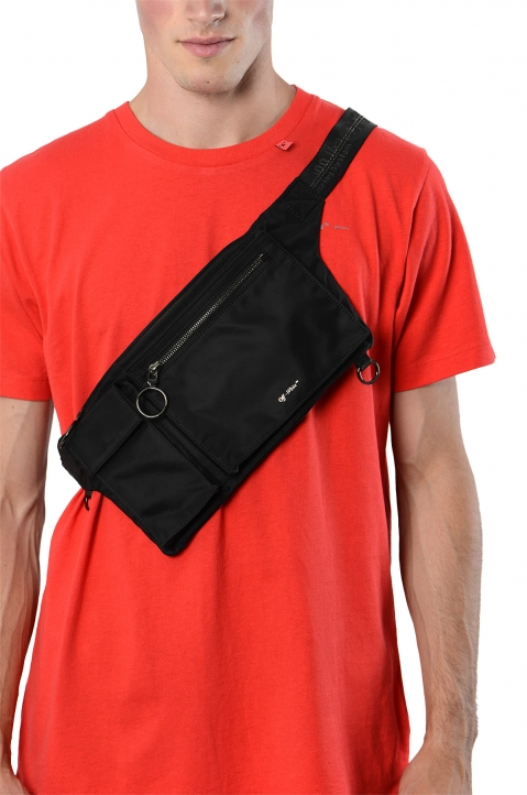 OFF-WHITE Black Industrial Flat Waistbag 4