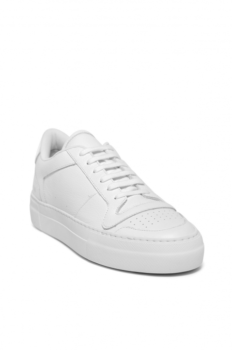 COMMON PROJECTS Full Court Low Top Sneakers White 1