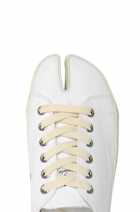 MAISON MARGIELA White Canvas Tabi Sneakers 2