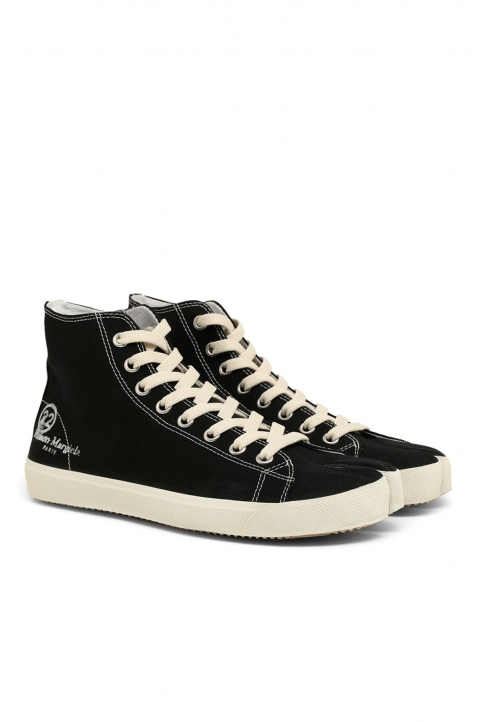 MAISON MARGIELA Black Vandal Tabi Hi Top Sneakers 1