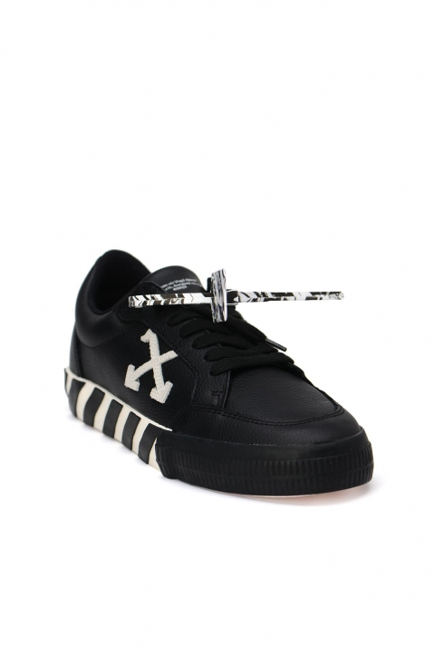 OFF-WHITE Low Black Leather Sneakers 1