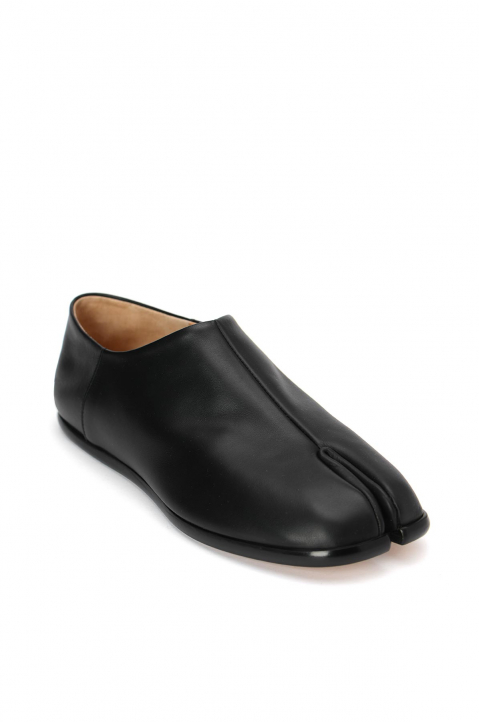 MAISON MARGIELA Slip On Tabi Shoes  1
