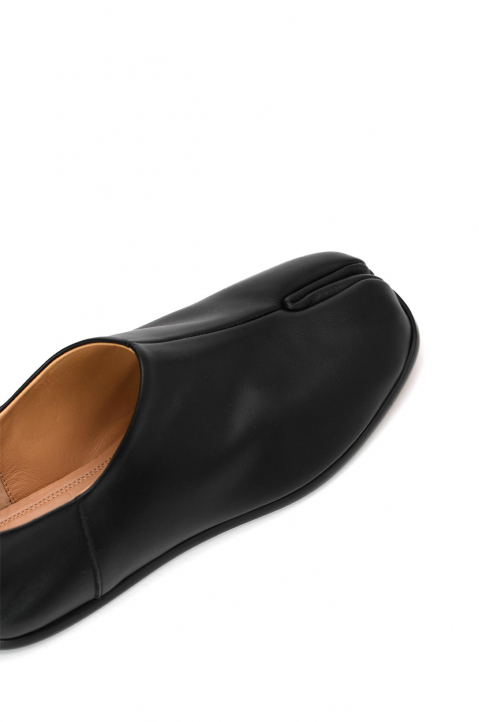 MAISON MARGIELA Slip On Tabi Shoes  3