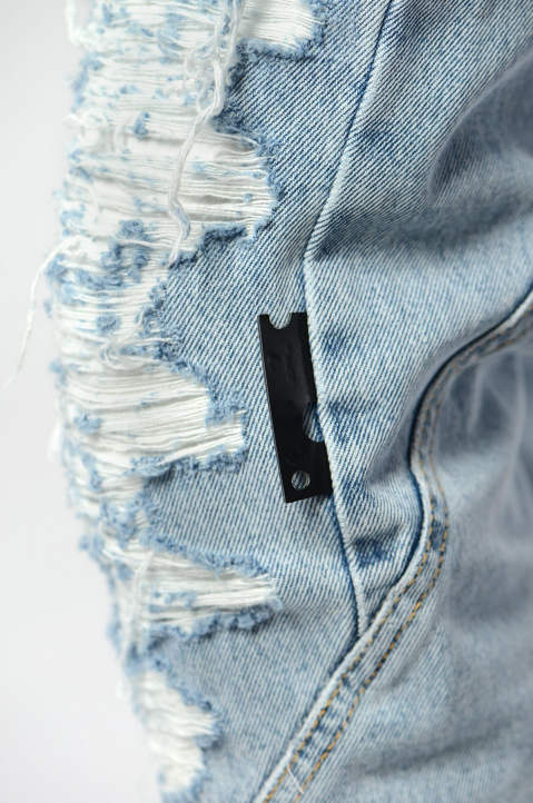 OFF-WHITE Slim Contour Distressed Jeans 4