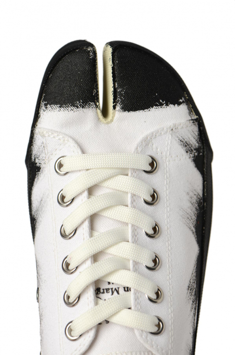 MAISON MARGIELA White Painted Canvas Tabi Sneakers 3
