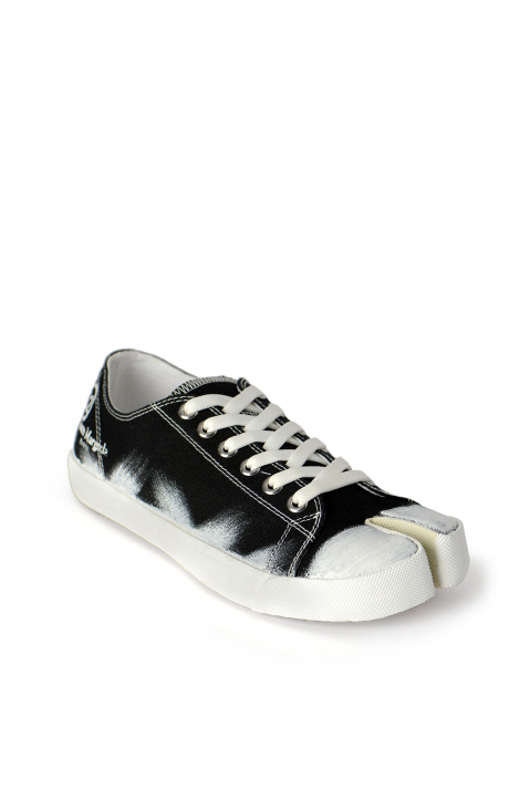 MAISON MARGIELA Black Painted Canvas Tabi Sneakers 1